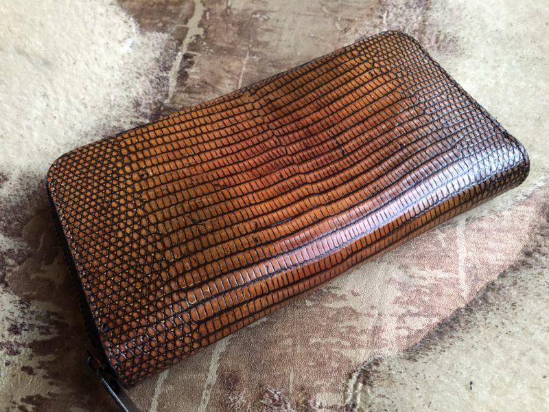 トカゲ/リザード革のラウンドファスナー長財布