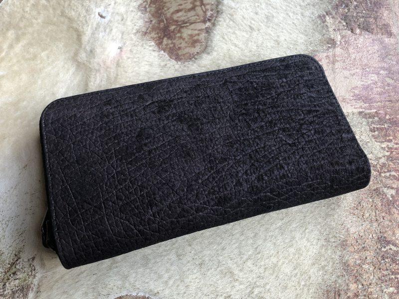 カバ革のラウンドファスナー長財布