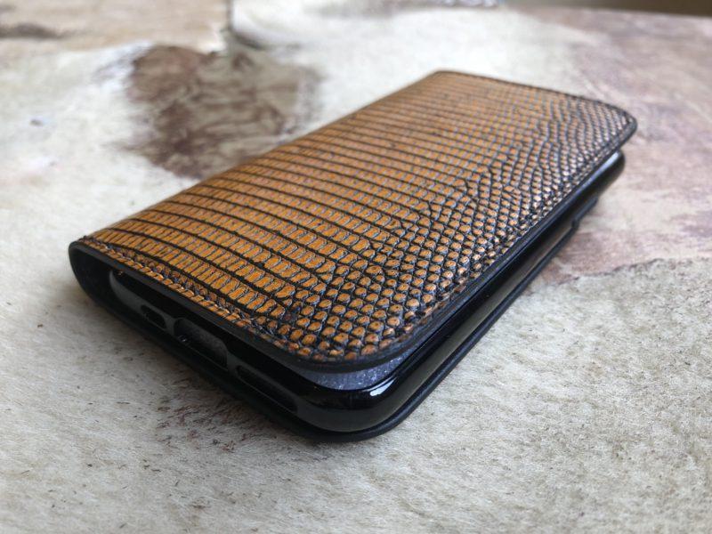 トカゲ革スマートフォンケース